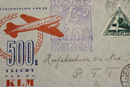 A busy route: a story of airmail between the Dutch East Indies and the Netherlands.